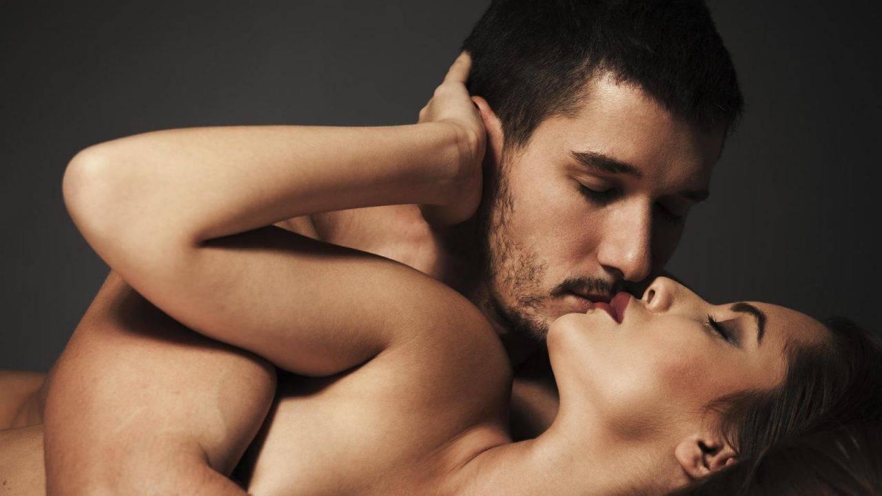 lo que de verdad quieren las mujeres que les hagan los hombres en la cama 1280x720 - EL MARAVILLOSO ARTE DE BESAR