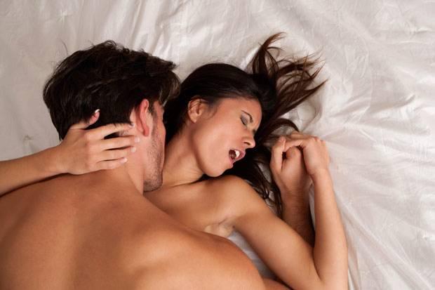 15 cosas que no debes hacer despues de tener sexo 1806 620x413 - LOGRA UN ORGASMO ACARICIANDO SUS PECHOS