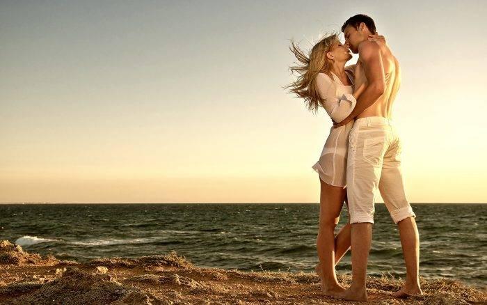 imagenes de enamorados dandose un beso 9 700x438 - EJERCICIOS BÁSICOS Y EXCITANTES DEL TÁNTRICO