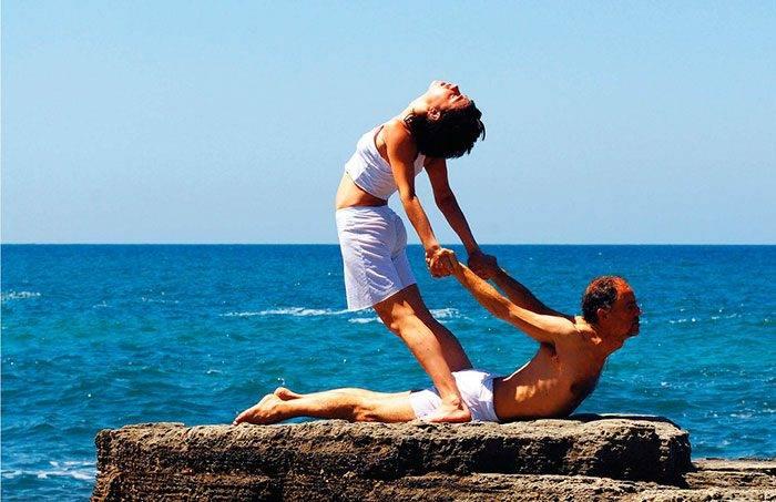 tantra yoga esenio akirelax 700x453 - EJERCICIOS BÁSICOS Y EXCITANTES DEL TÁNTRICO