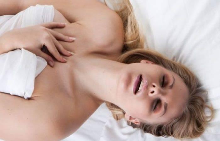 cinco senales para saber si una mujer esta excitada 526977 700x450 - LA MASTURBACIÓN DE LA MUJER UNA SATISFACCIÓN ÚNICA