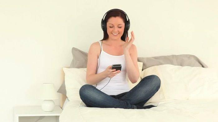 530999282 reproductor de audio digital escuchar musica oreja modelo objeto 700x394 - Impulsa tu Sexualidad