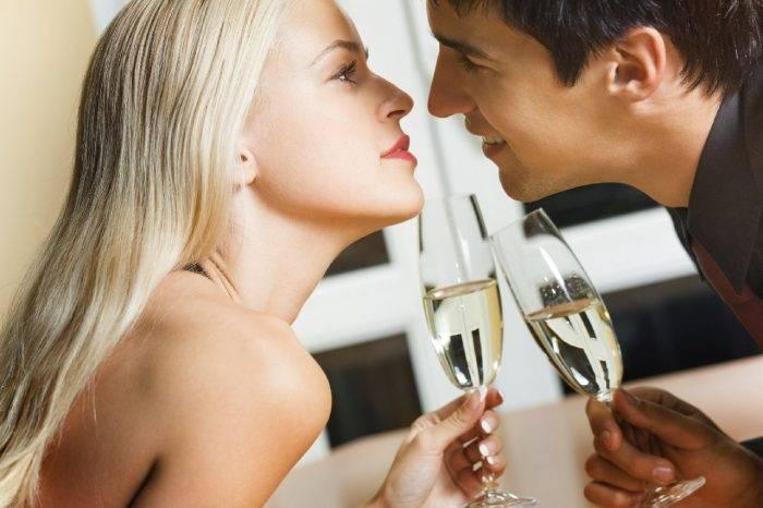 formas de seducir a un hombre en 60 segundos 4 1 700x466 - Seduce a un Hombre con tus Encantos