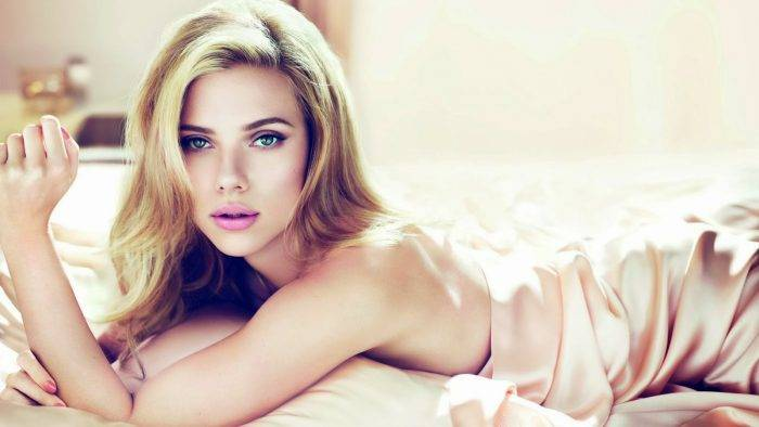 Scarlett Johansson Blue Eyes Full HD Wallpaper 2 min 700x394 - La Excitante Anatomía del Clítoris