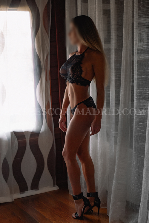 Lia, exhuberante escort en Madrid