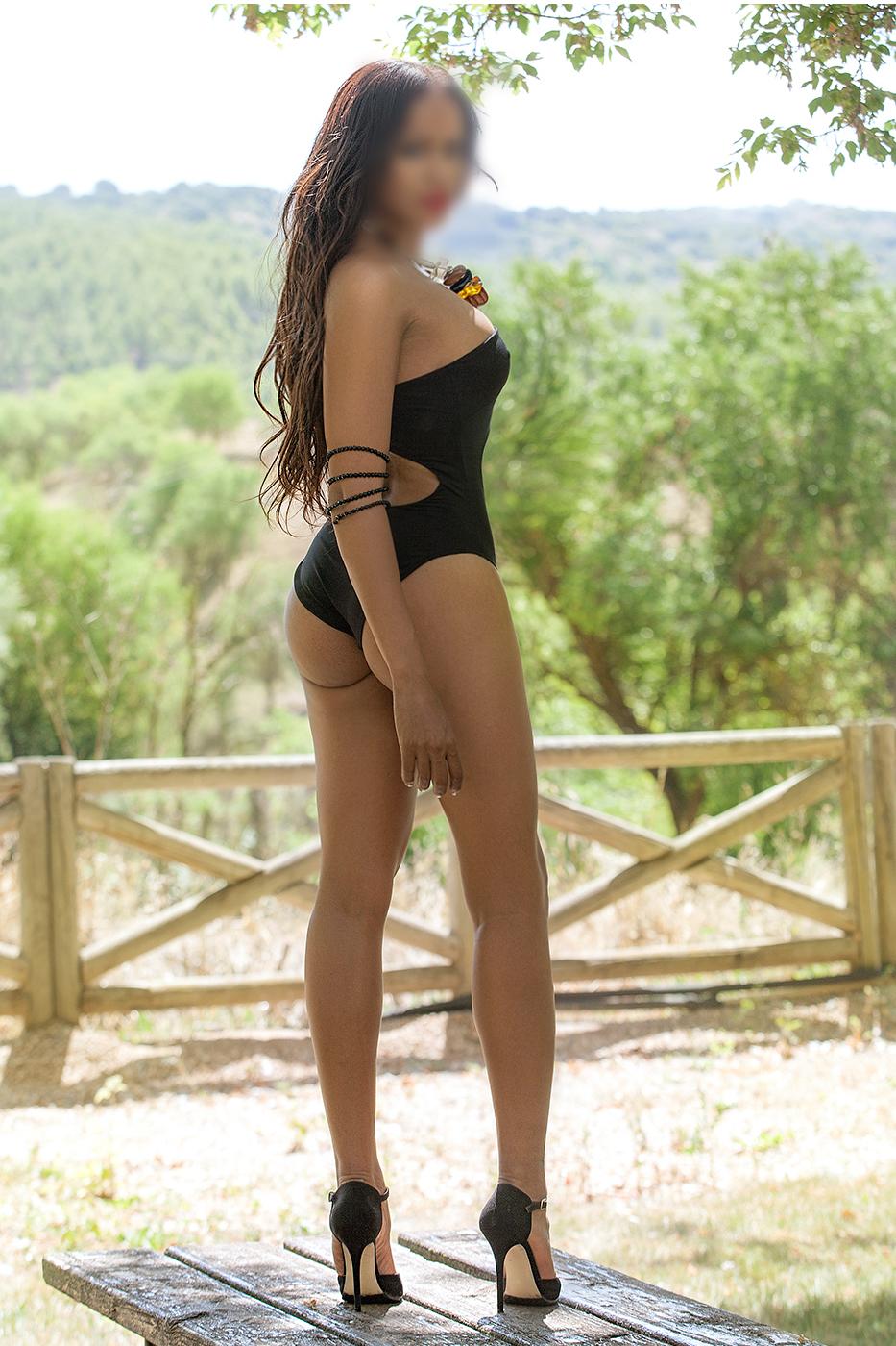Lucia, sensual morena en Madrid